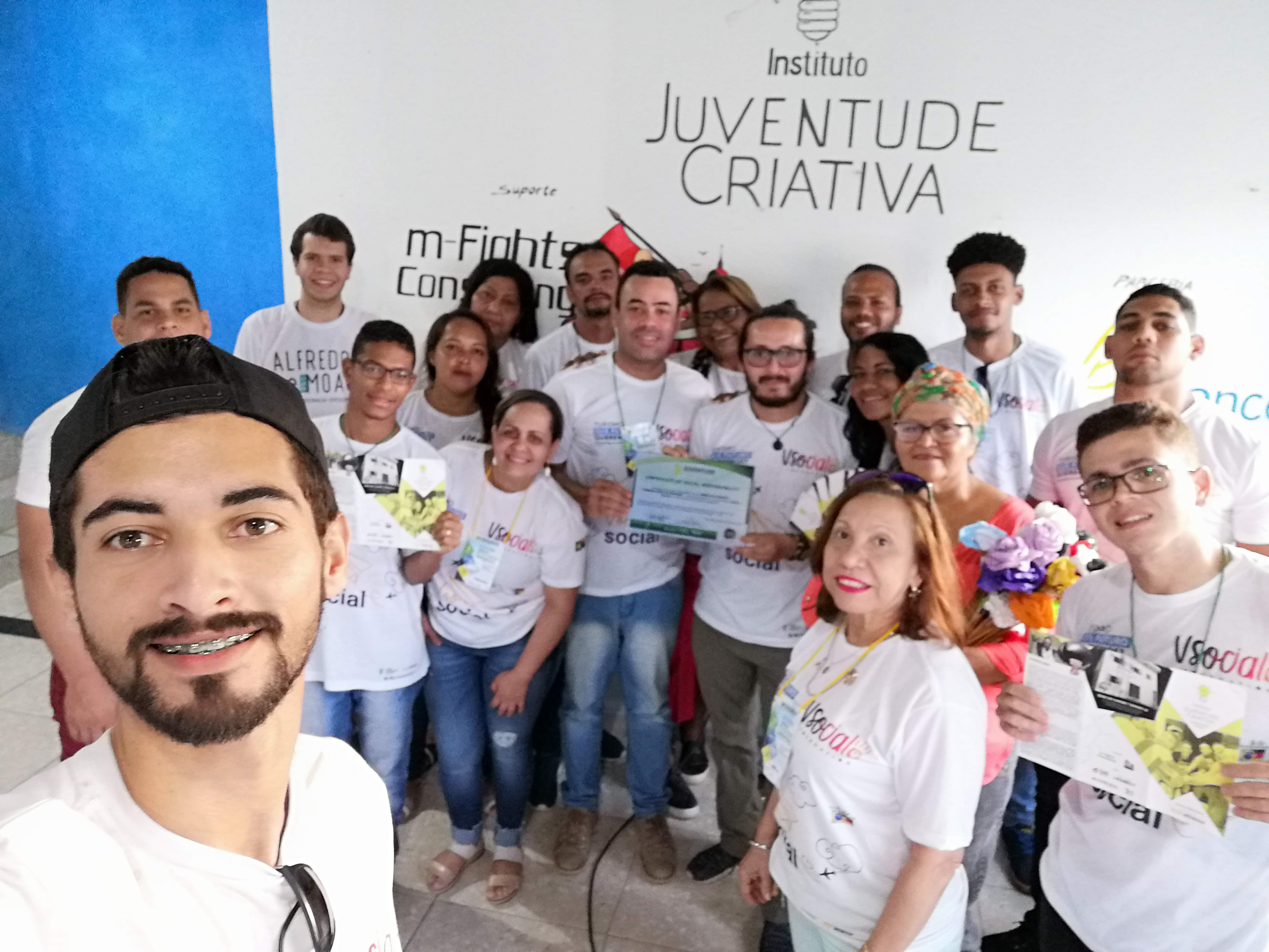 The project of Juventude Creativa is a project that seeks to generate alternatives of life for the young people of Sao Lorenzo Da Mata, a quite vulnerable place in Recife Brazil, through tourism, sport and pedagogy they have managed to design a project of life for the young people far from criminality, drugs and the streets